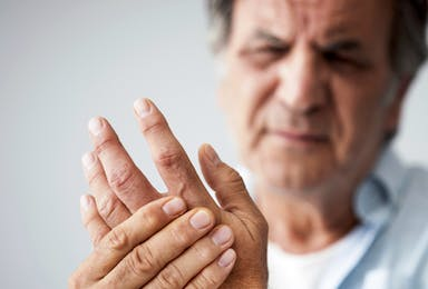Osteoarthritis: Non-Surgical Options vs. Joint Replacement